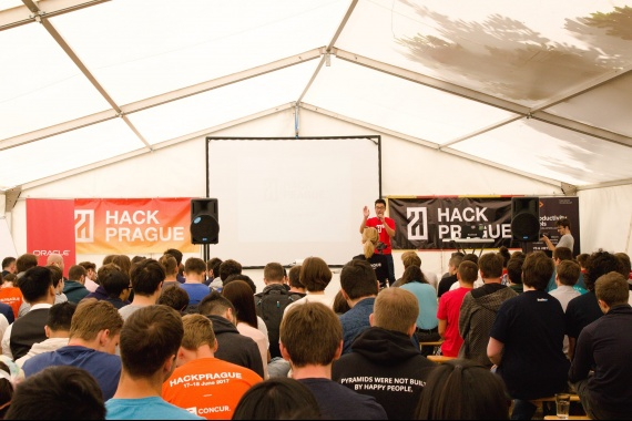 HackPrague 2018 - Touch the Future - závěrečná prezentace